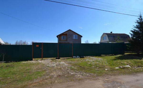 Дом с участком в  д.Голубцово Волоколамского района